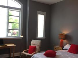 Noble Space Room for Family Vacations, Pickering