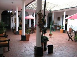 Hotel Santa Mónica, Curití