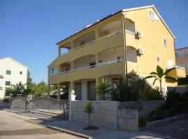 Apartments Ana, Stari Grad