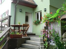 吉特德拉里斯尔瑞博奥斯度假屋, Ueberstrass