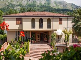 拉维尼亚公园酒店, Bonea