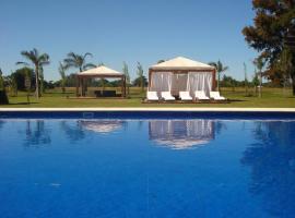 Howard Johnson Plaza Resort, Luján