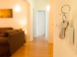 38号三一公寓, 拉拉古纳