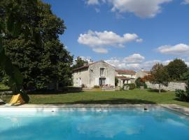 Holiday Home Les Tilleuls, Aumagne