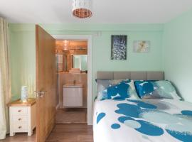 Spacious 2-Bedroom Apartment near O'Connell St