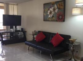 Waikiki Ala Moana Luxury Condo 1 bedroom