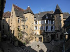 In Sarlat Luxury Rentals, Medieval Center, Sarlat-la-Canéda