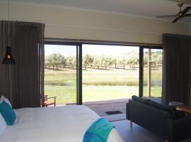 Manzanillo Grove Villa, Drysdale