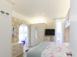 Minnis WhiteHouse, Birchington