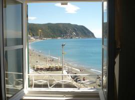 Sea front Apartment near 5 Terre, Riva Trigoso