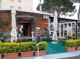 Hotel Puntabella, فاراتسي
