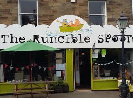 The Runcible Spoon, Hinderwell