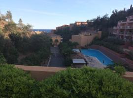 3- х комнатные апартаменты с видом на море ,бассейн, Les Adrets de l'Esterel