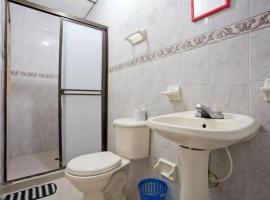 BIG room w AC, WiFi & bathroom