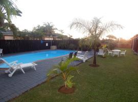 Elephant Lake Inn, St Lucia