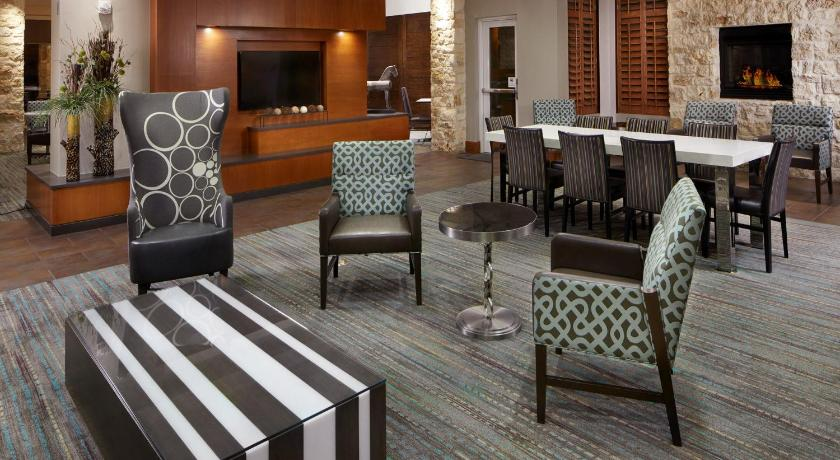 Residence inn by marriott san antonio six flags at the rim for Q kitchen bar san antonio