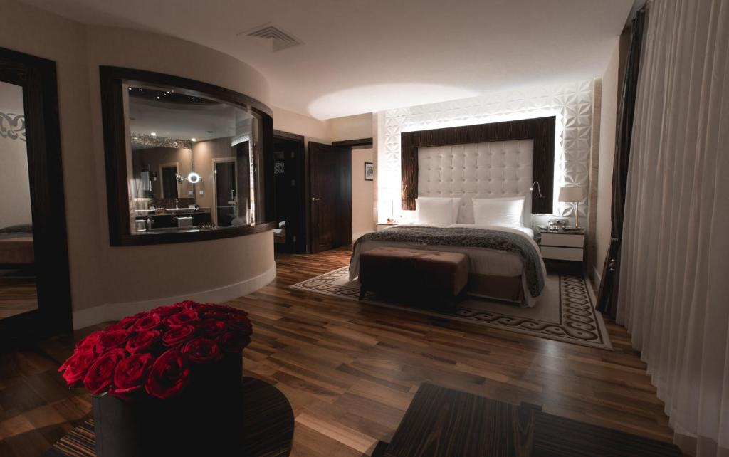 Отель Бадамдар