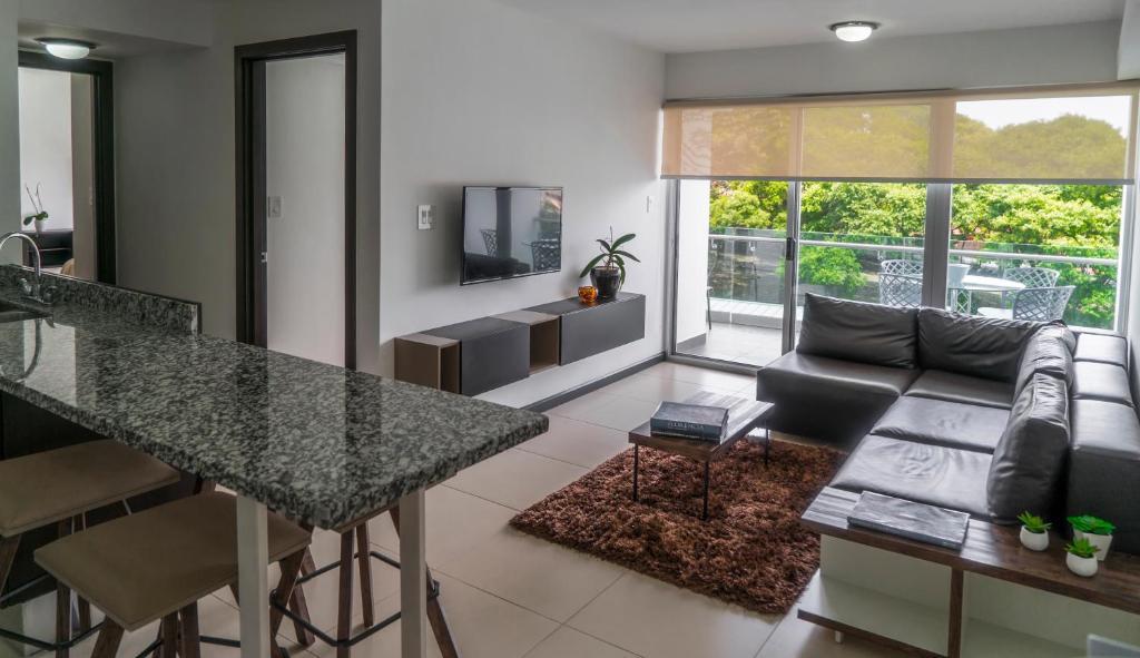 Comfortable 2 Bedroom Modern Apartment San Jos C P Nh T Gi N M 2018