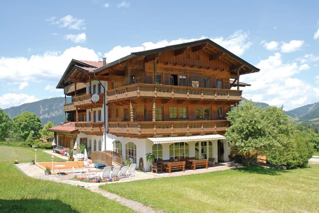 Pension Luzenberg, Альпбах, Австрия