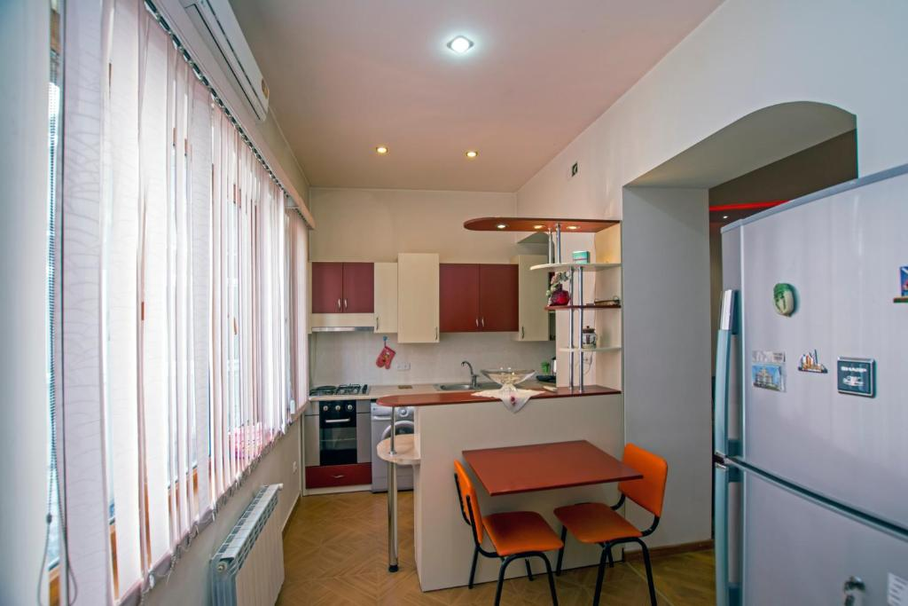 FlatsInYerevan - Pushkin Street Apartments