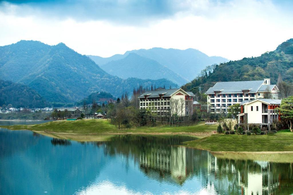 中国 安徽 黄山 黄山风景区的酒店  黄山太平湖阿尔卡迪亚阳光酒店