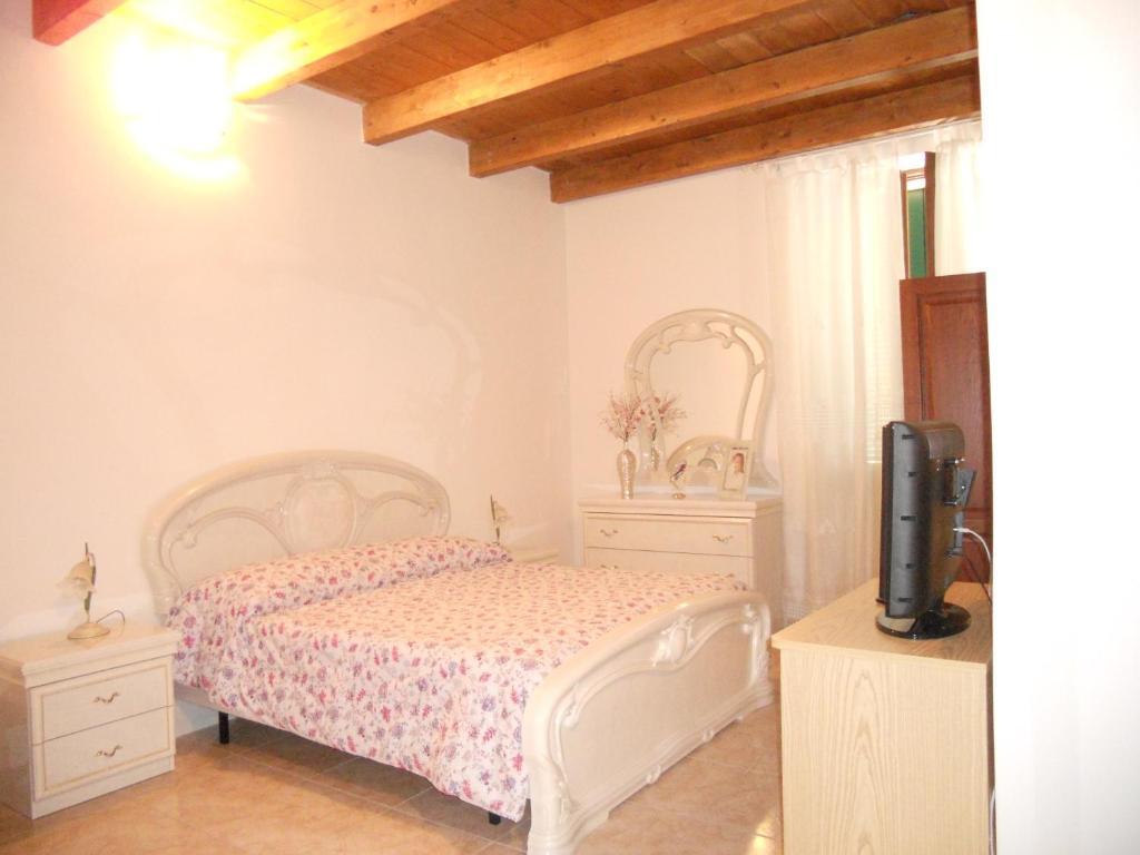 Guest House Efisio, Альгеро, Италия