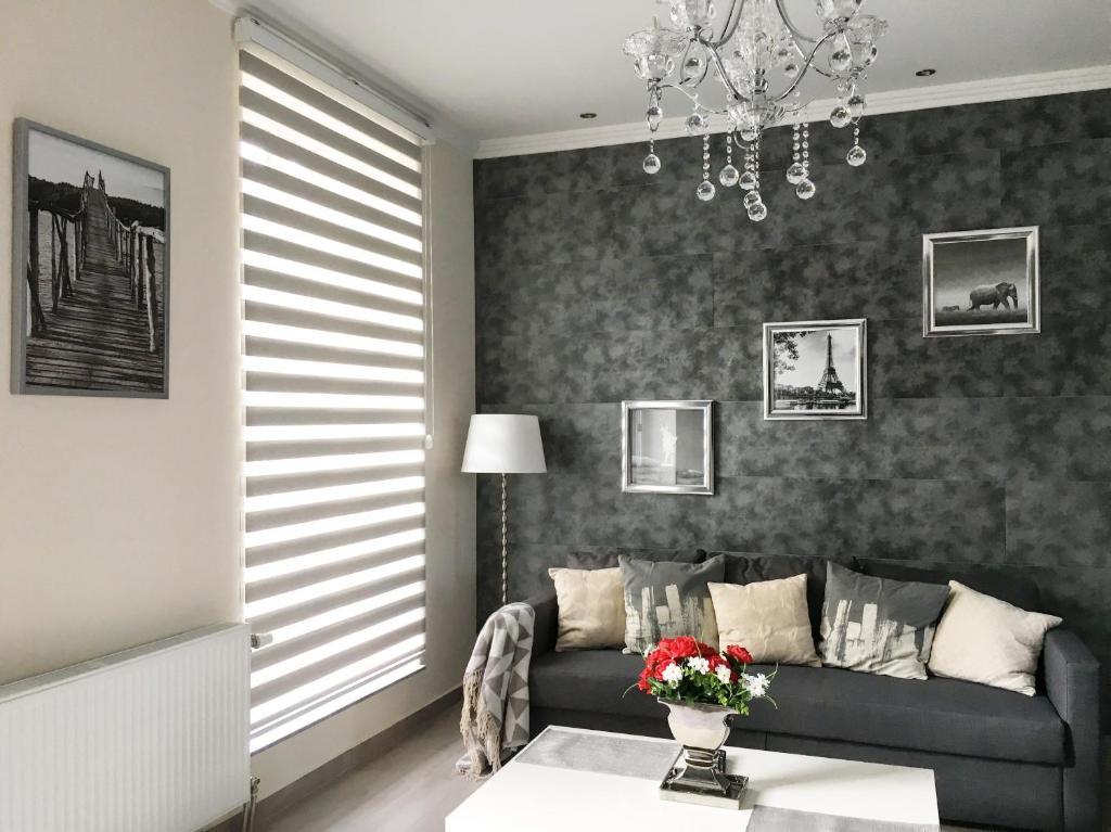 Luxury 3 bedroom Apartment, Шарлеруа, Бельгия