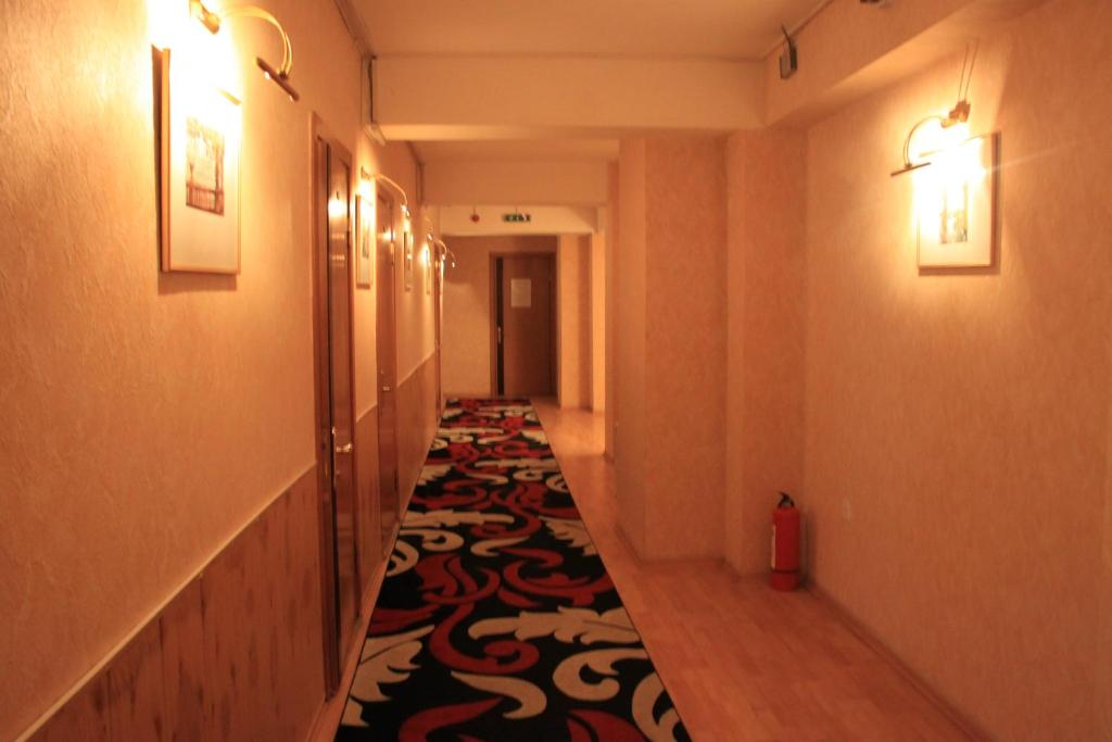 Отель Gallery