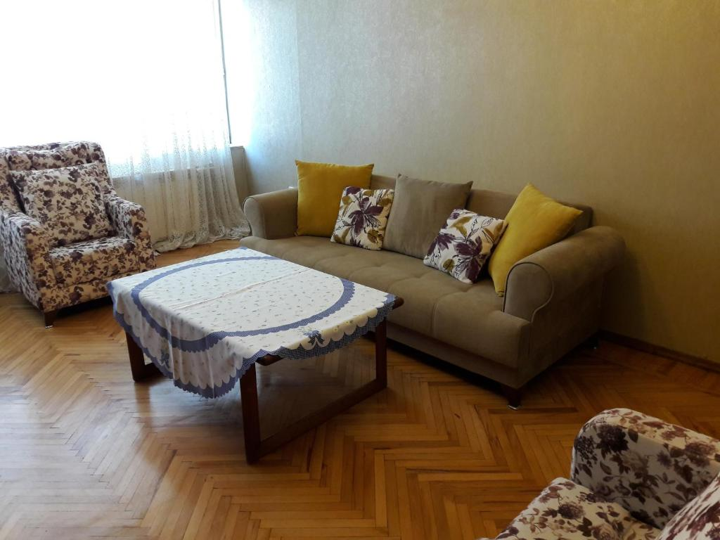 Апартаменты На Гаджибекова 27