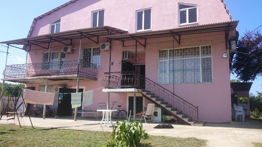 Гостевой дом На ул. Братьев Эзугбая 26