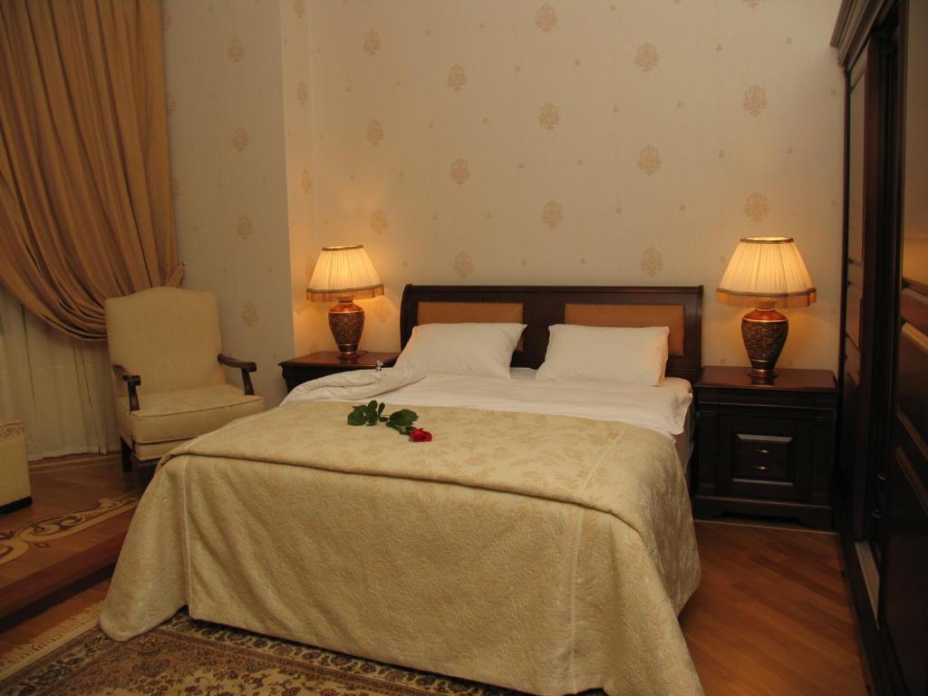 Отель AYF Palace