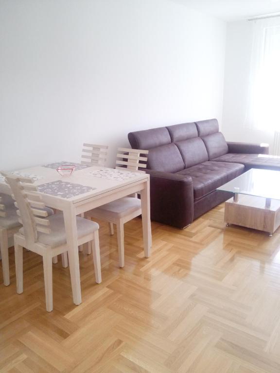 Apartman 18, Баня-Лука, Босния и Герцеговина