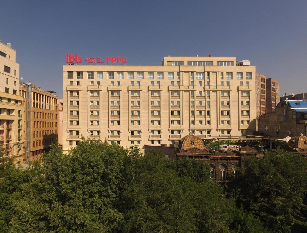 Отель Ibis Yerevan Center