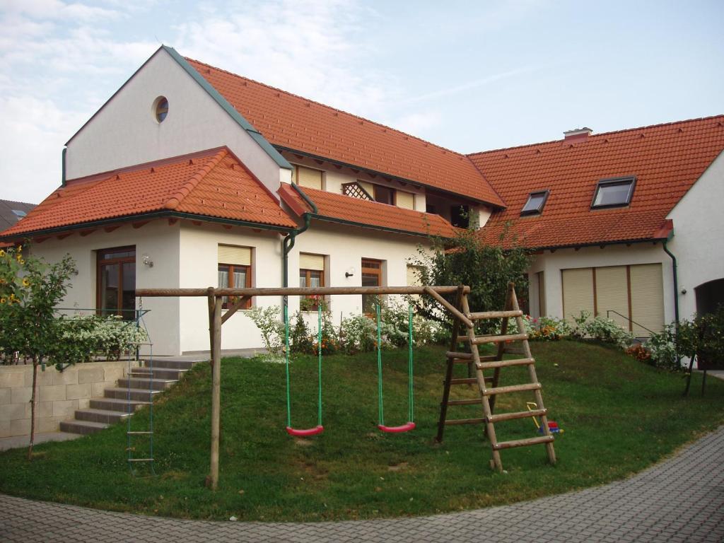Gästehaus Strommer, Апетлон, Австрия