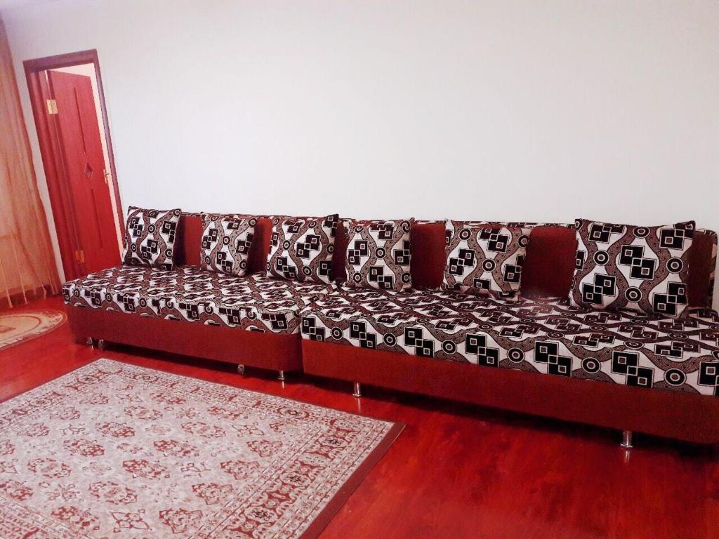 Апартаменты на Шашкина 11, Алматы, Казахстан