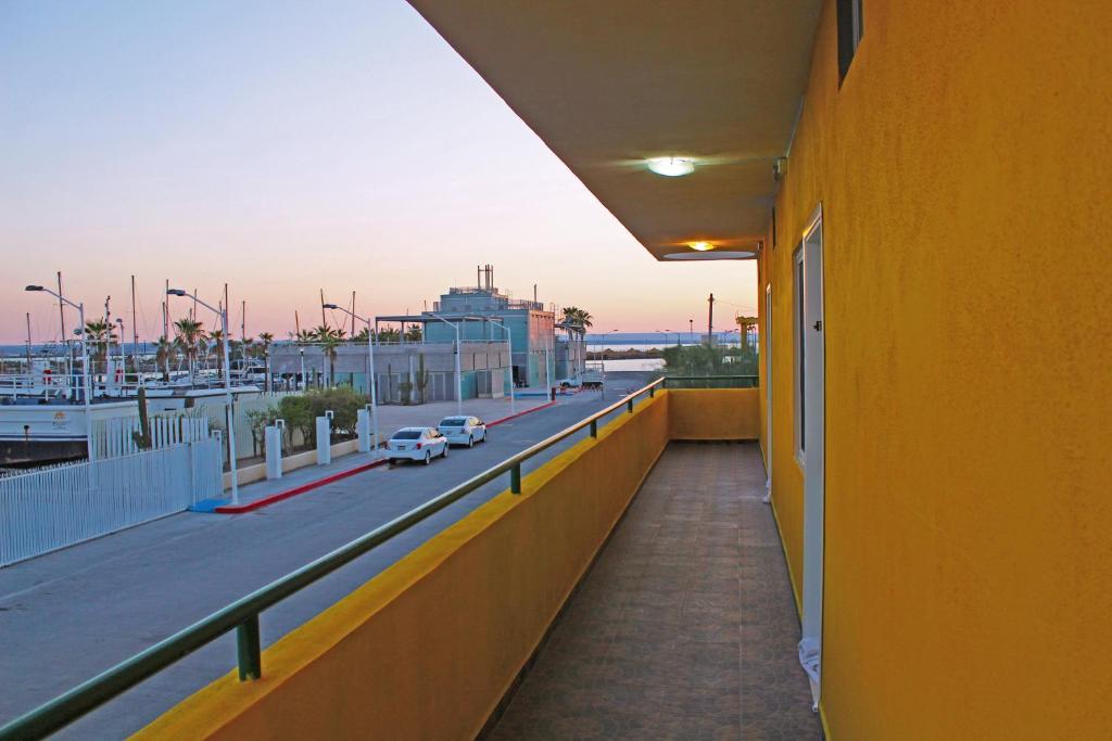 Отель Hotel Marina del Sol La Paz B.C.S, Ла-Пас