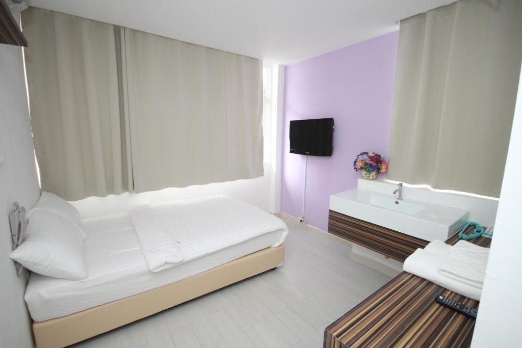 Nantra Ekamai Hotel