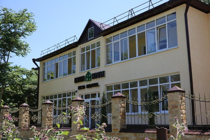 Отель Green House