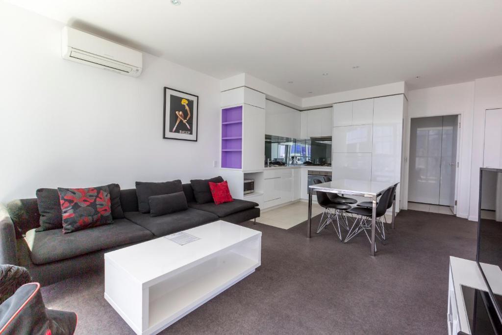 apartments melbourne domain new quay docklands. Black Bedroom Furniture Sets. Home Design Ideas