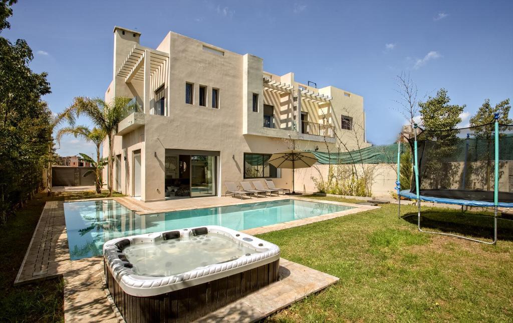 Villa de luxe avec piscine privee 2018 for Villa a louer agadir avec piscine