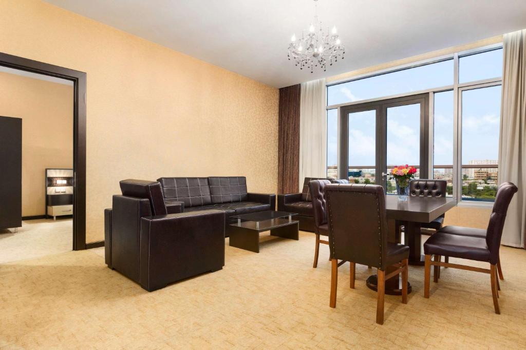 Отель Days Baku