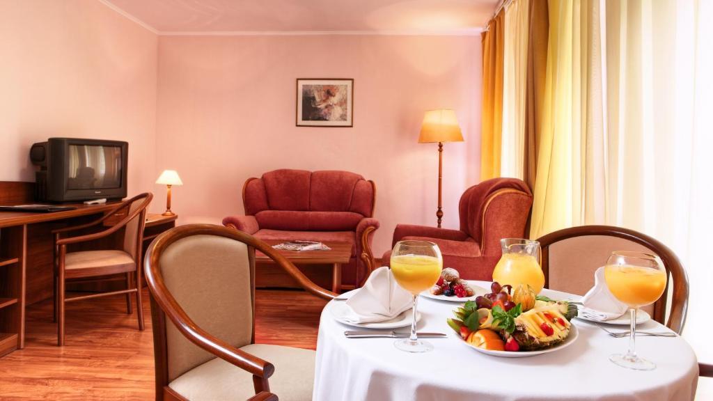 Курортный отель Foresta Tropicana, Брехово