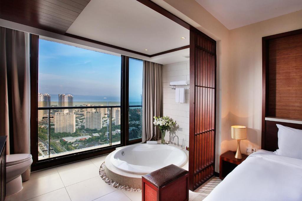 中国 海南 三亚的酒店  三亚半山半岛度假酒店(全套房)(中国)优惠