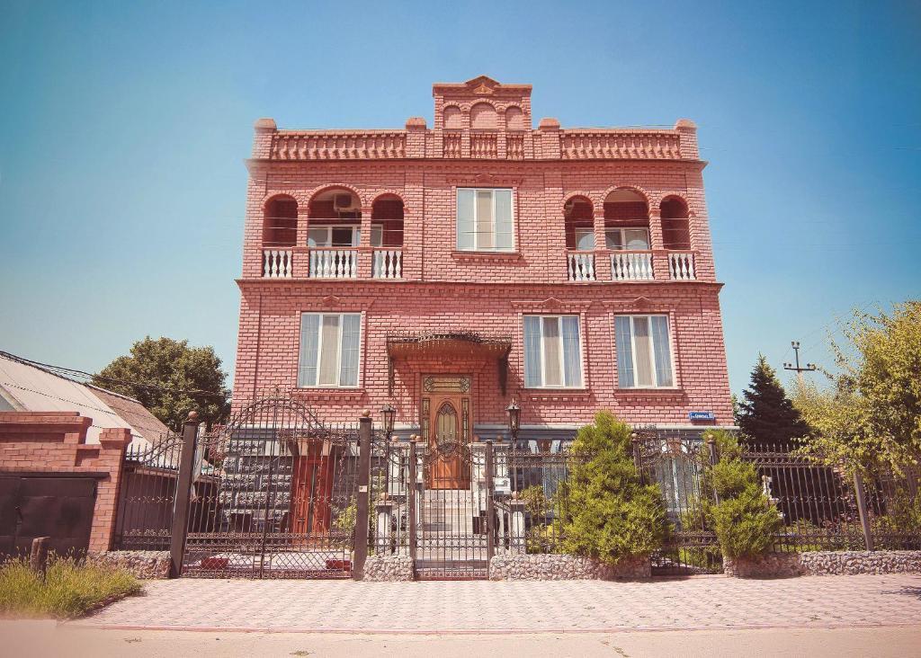 Отель Версаль, Херсон, Украина