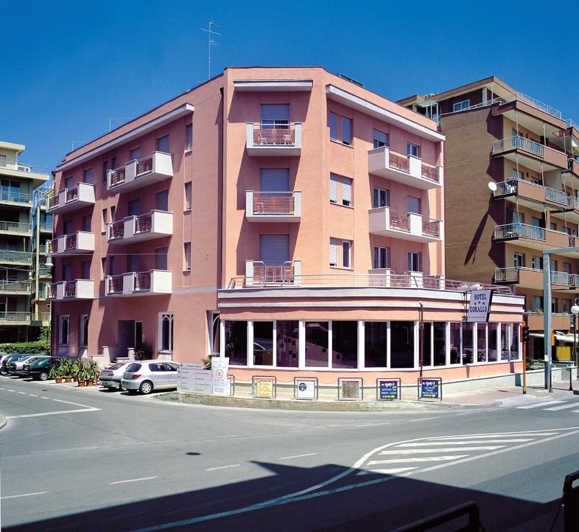 Hotel corallo italia pietra ligure for Hotel liguria milano