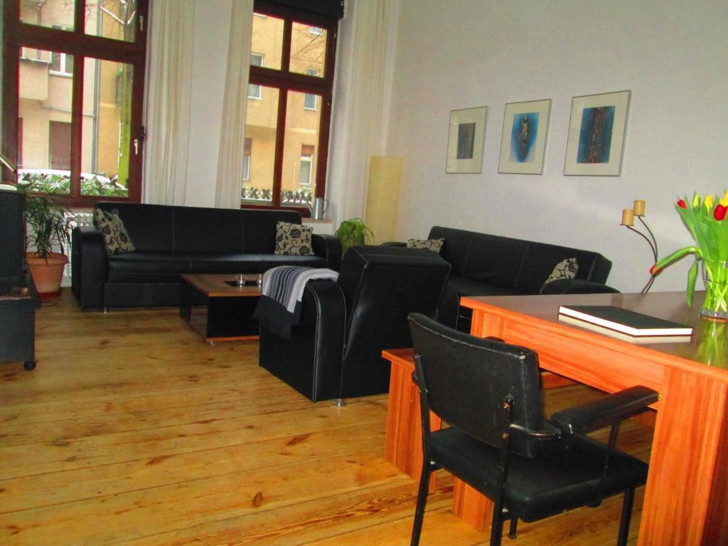 ruhige ferienwohnung berlin mitte berlin c p nh t gi n m 2018. Black Bedroom Furniture Sets. Home Design Ideas