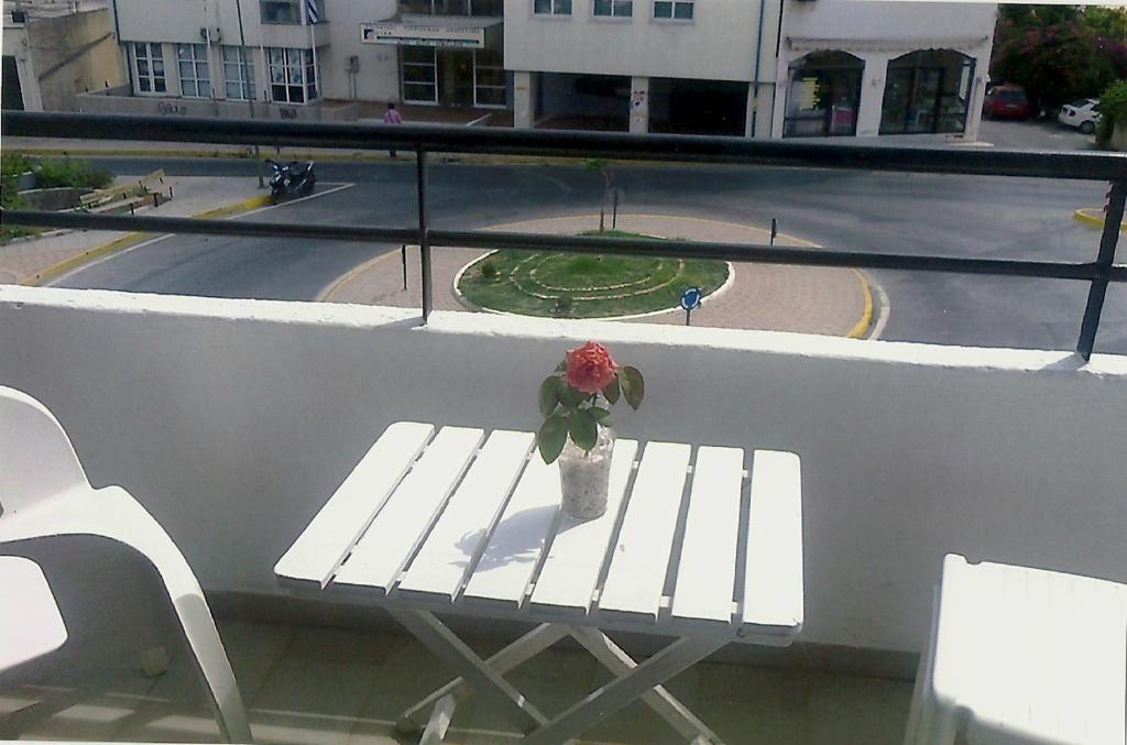 Отель Bridge Hotel, Айос-Николаос