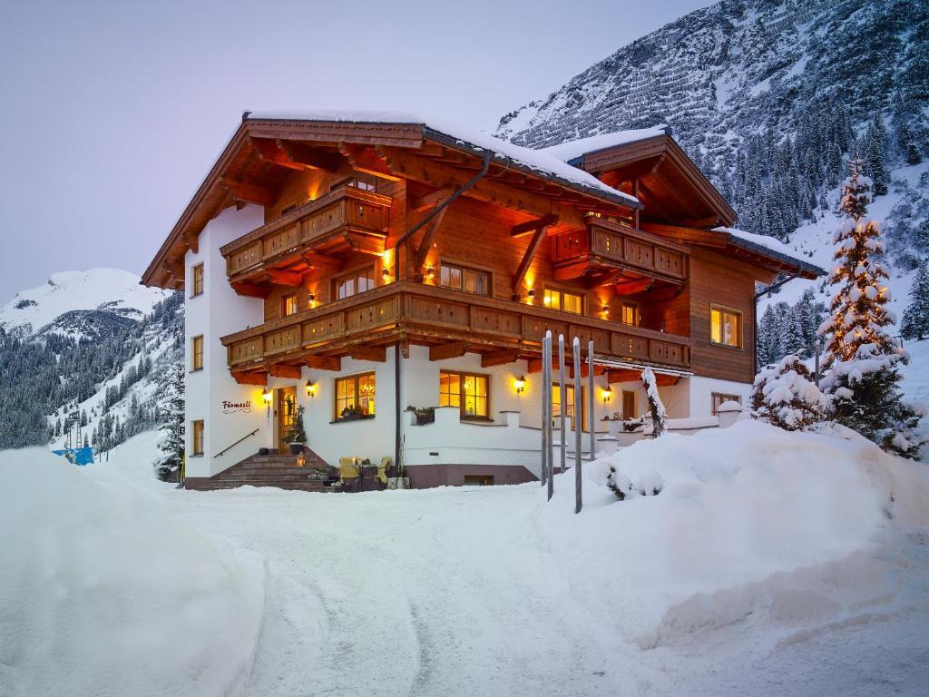превращаются мини отели в альпах фото выступает