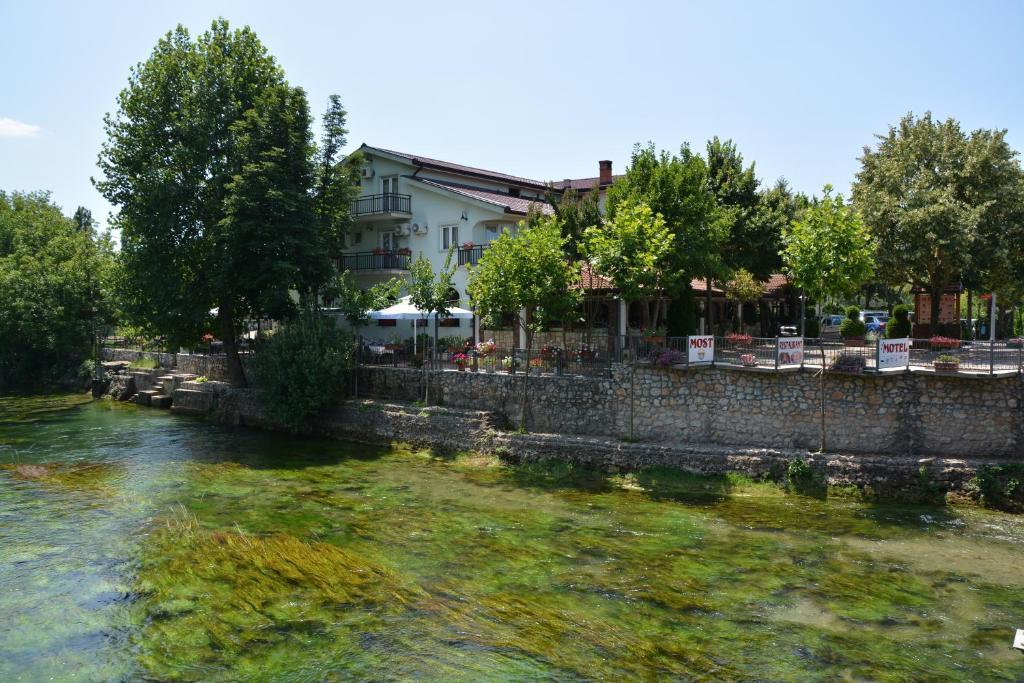 Motel Most, Любушки, Босния и Герцеговина
