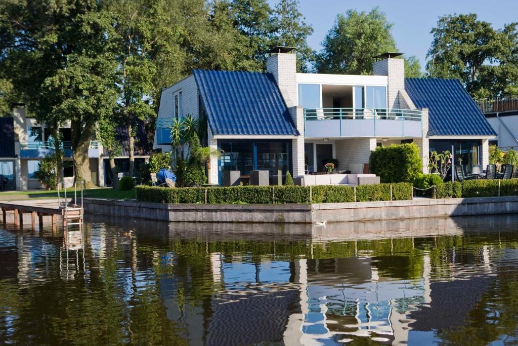 Amsterdam / Loosdrecht Rien van den Broeke Village